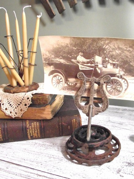 Check out this awesome photo holder Margo made from two old faucet handles!