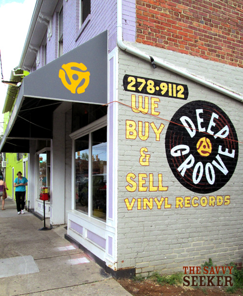 Keepin' it simple...buying and selling vinyl records.