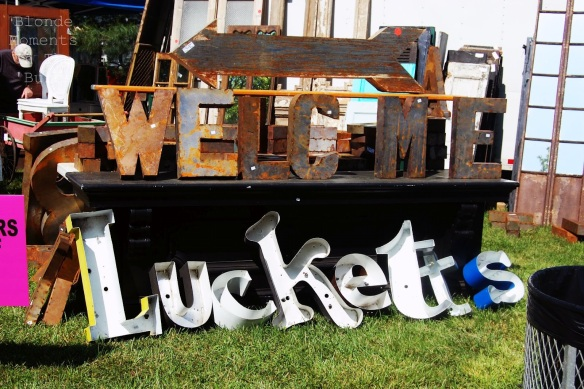 Lots to see and do at Lucketts! (Photo from blondemomentintheburbs.blogspot.com)