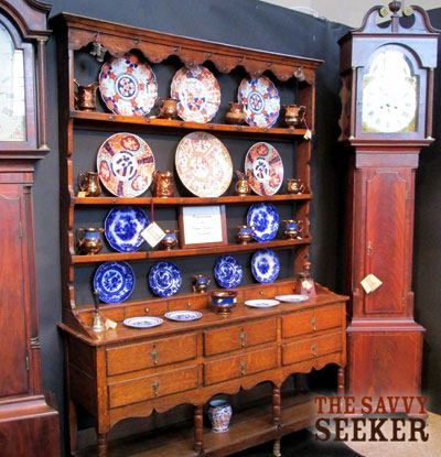 Instead of pewter, this display featured copper lusterweare and Imari porcelain.