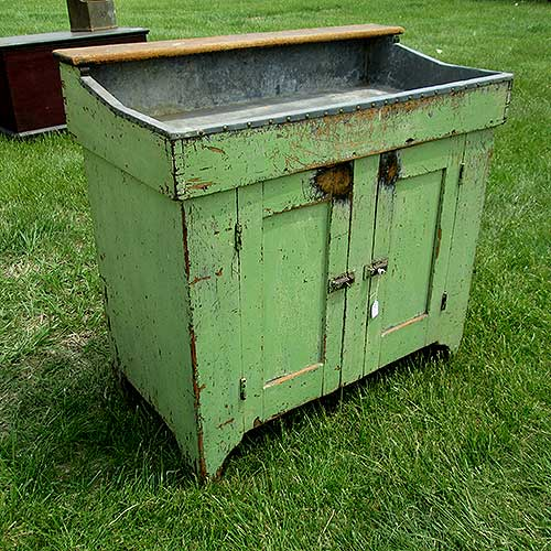 antique_painted_dry_sink