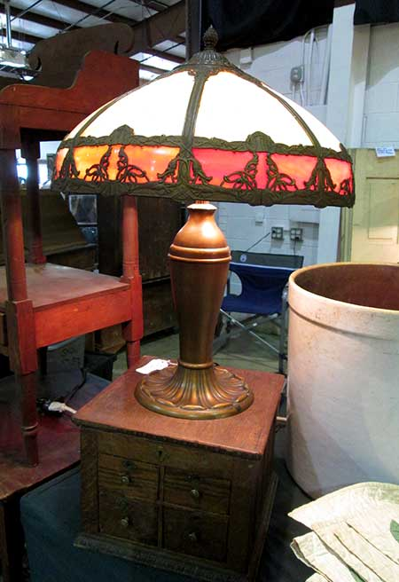 antique_slag_glass_lamp