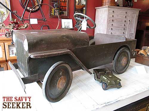 antique_pedal_car