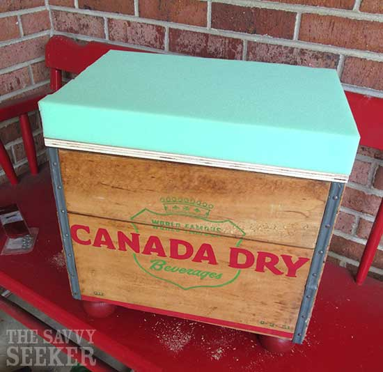 diy_soda_crate_ottoman_foam_cushion